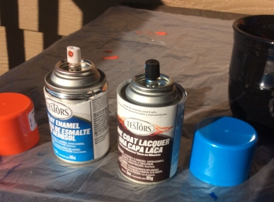 Spray paint: the kind of paint that can be sprayed.